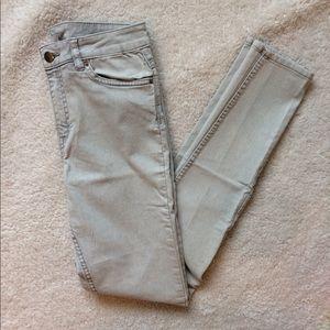 H&M light wash skinny jeans/jeggings